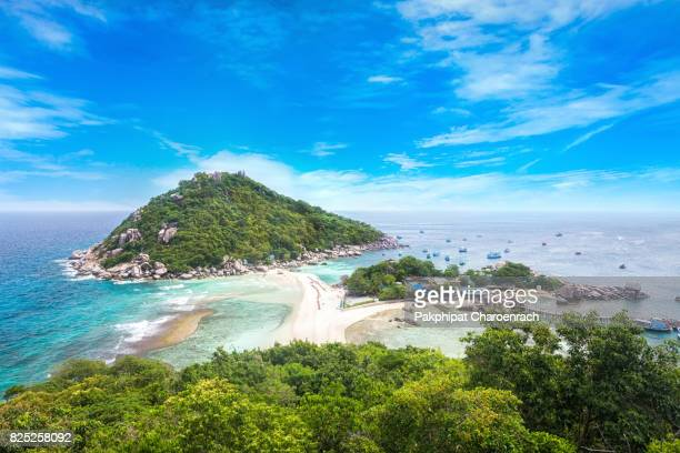 view point from top of mountain for see the beach, sea and nature of nang yuan and tao island. - ko samui stock photos and pictures