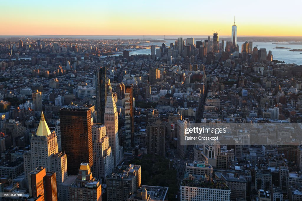 View to Downtown Manhattan at sunset : Stock-Foto