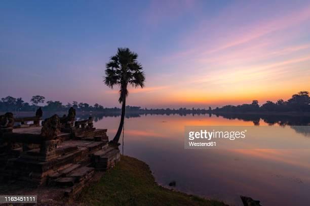 view to srah srang at sunset, cambodia - シェムリアップ ストックフォトと画像