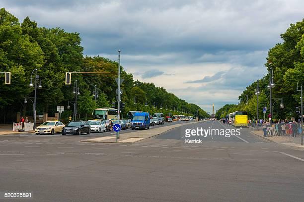 Blick auf die Strasse des 17.  Juni in Berlin