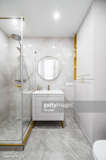 バスルームの眺め - 古典様式 ストックフォトと画像