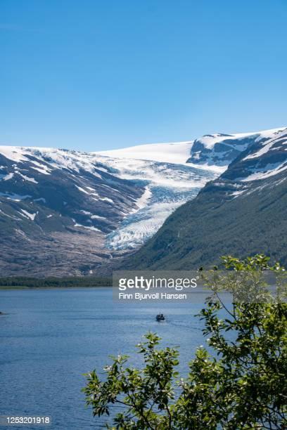 view to the glacier engenbreen/svartisen, norway - vertical - finn bjurvoll stock-fotos und bilder