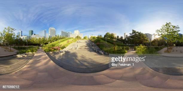 360° view urban scenery on the business district la defense,paris - vr 360 fotografías e imágenes de stock