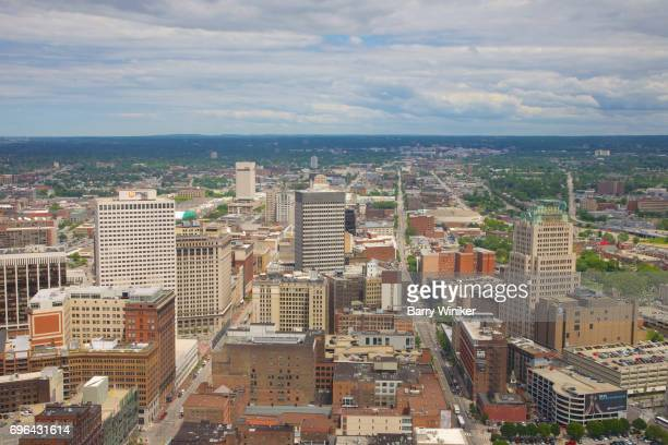 view west from high up in cleveland's downtown - cleveland ohio stock-fotos und bilder