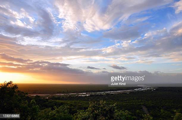 viewpoint, gonarezhou national park , zimbabwe - parco nazionale foto e immagini stock