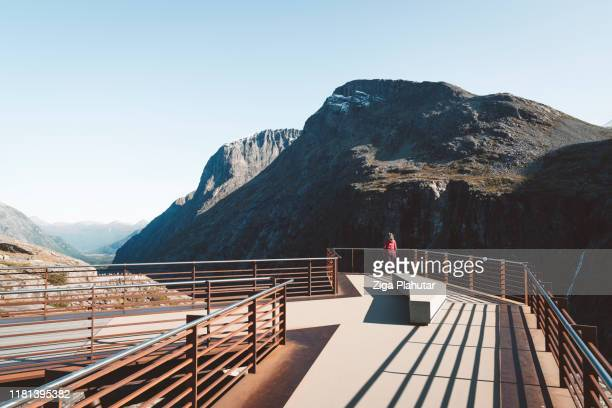 viewpoint platform trollstigen - northern rail stock pictures, royalty-free photos & images