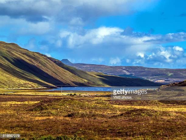 views from sligachan, isle of skye, scotland - glen sligachan photos et images de collection