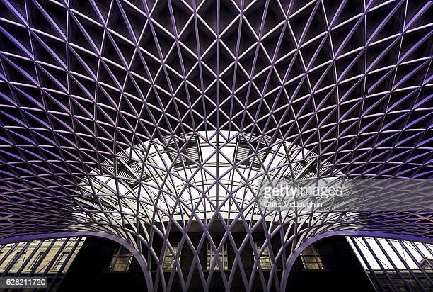 views in london, kings cross - キングスクロス駅 ストックフォトと画像