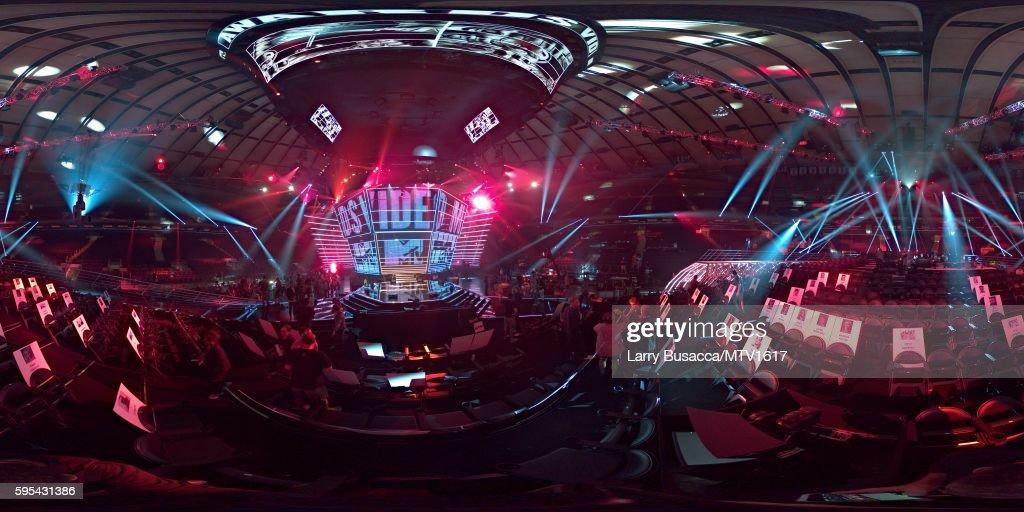 NY: 360 Views Of The 2016 MTV Video Music Awards