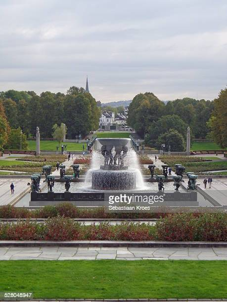 vigeland park fountain, oslo norway - gustav vigeland sculpture park stock pictures, royalty-free photos & images