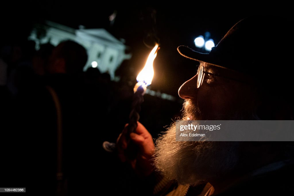 Vigil Held For Victims Of Pittsburgh Synagogue Shooting At The White House : News Photo
