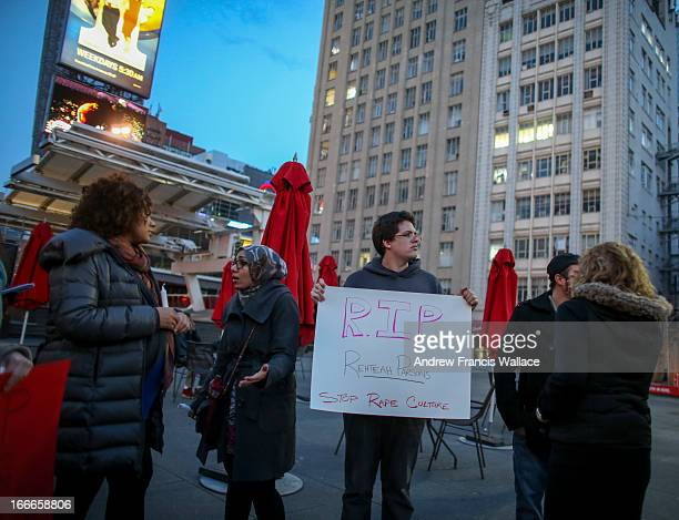 Vigil Yonge and Dundas to mark the passing of bullying victim Rehtaeh Parsons
