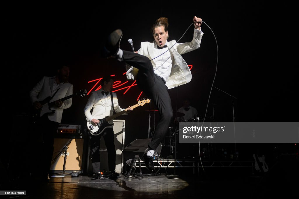 IL: The Hives And Refused In Concert - Chicago, IL