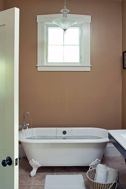 Vignette of claw foot tub in Cape Cod Inn Pictures | Getty Images