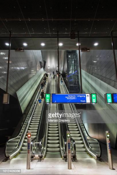 Vijzelgracht escalators at Metro platform