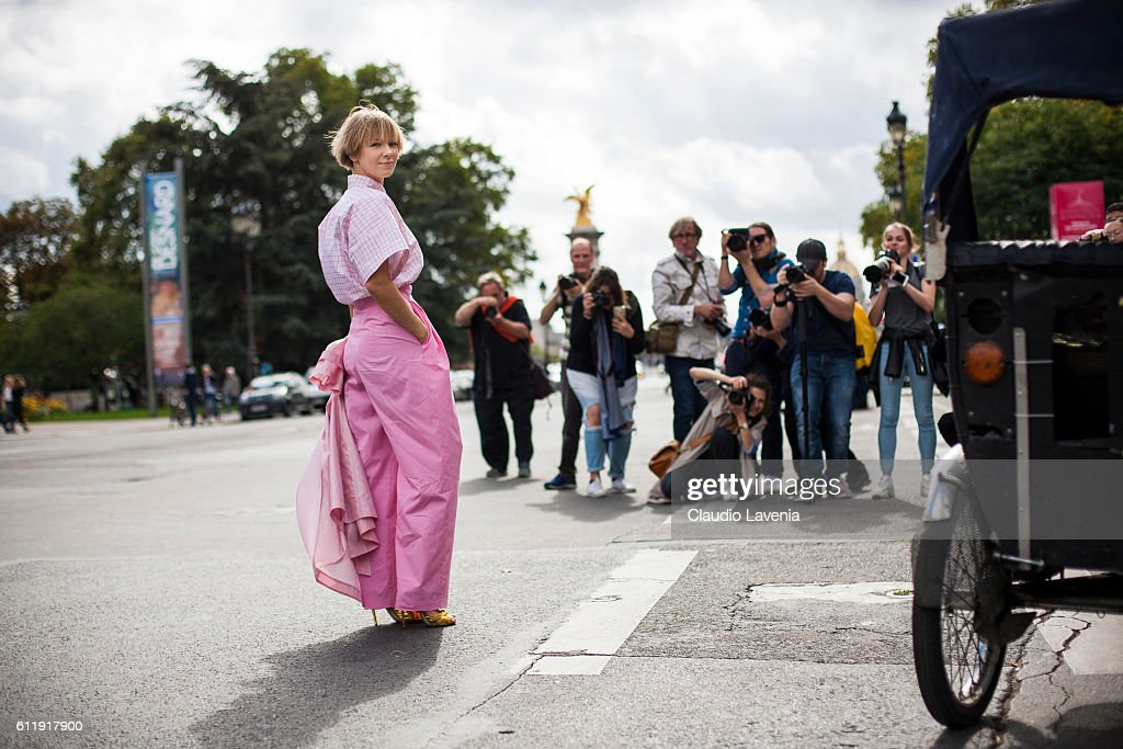 Vika Gazinskaya poses after the Mugler show on day 5 of Paris Womens Fashion Week Spring/Summer 2017,Êon September 30, 2016 in Paris, France.