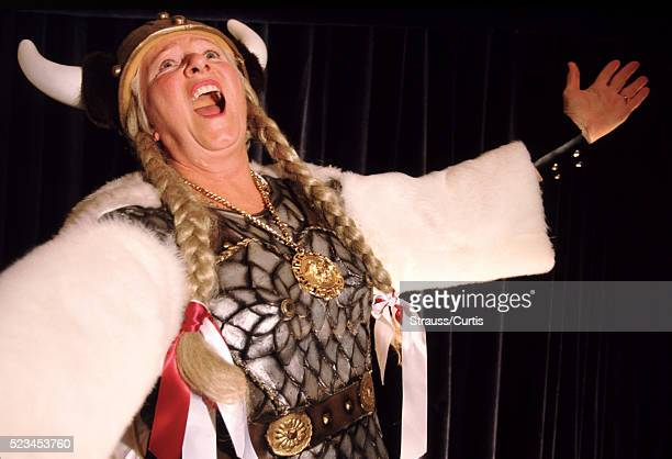 viking opera singer - ópera fotografías e imágenes de stock