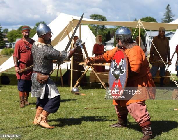 viking reenactment - medieval imagens e fotografias de stock