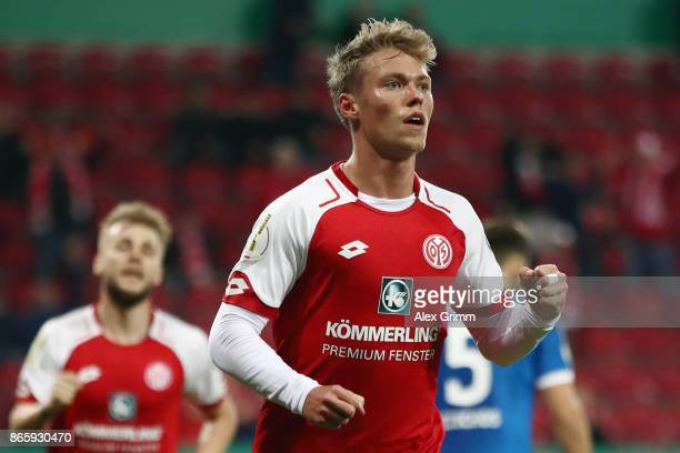 Viktor Fischer of Mainz celebrates his team's first goal during the DFB Cup match between 1 FSV Mainz 05 and Holstein Kiel at Opel Arena on October...
