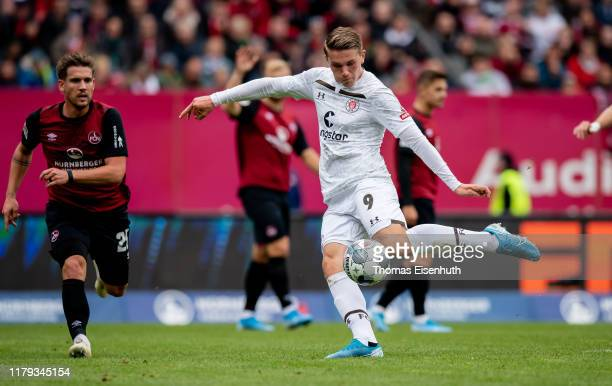 Viktor Gyoekeres of St. Pauli scores the opening goal during the Second Bundesliga match between 1. FC Nuernberg and FC St. Pauli at...