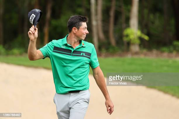 Viktor Hovland of Norway celebrates his birdie on the 18th green to win during the final round of the Mayakoba Golf Classic at El Camaleón Golf Club...