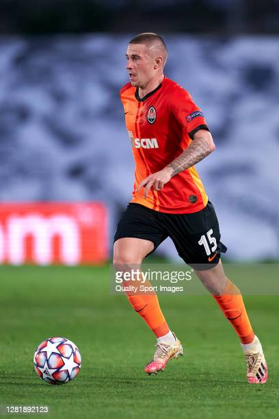 Viktor Korniienko of Shakhtar Donetsk runs with the ball during the UEFA Champions League Group B stage match between Real Madrid and Shakhtar...
