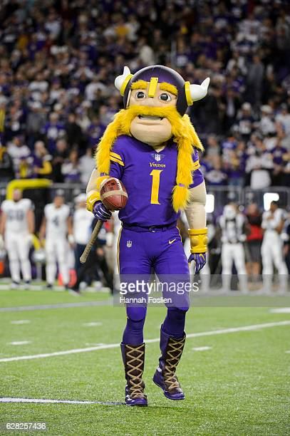 World S Best Minnesota Vikings Mascot Stock Pictures Photos