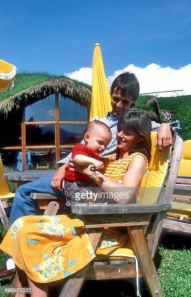 """""""Viktor Worms, Ehefrau Astrid Worms, Sohn Julian, Urlaub am im Hotel """"""""Stanglwirt"""""""" in Going in Tirol, Österreich. """""""
