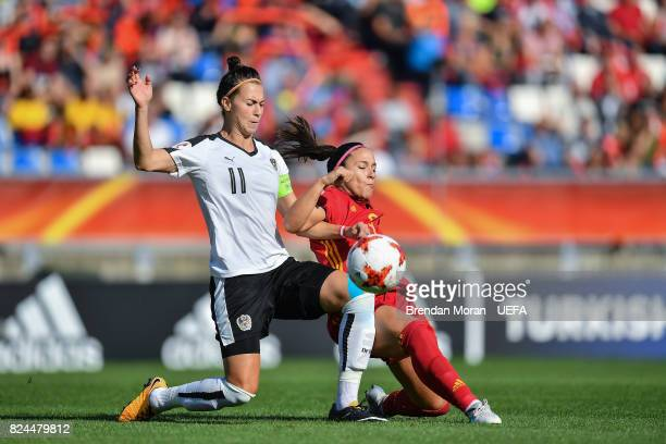 Viktoria Schnaderbeck of Austria and María Paz of Spain during the UEFA Women's EURO 2017 Quarterfinal match between the Austria and Spain at Koning...