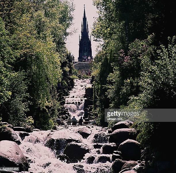 Viktoriapark mit Wasserfall 1989