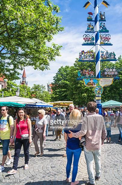 Viktualienmarkt Maypole