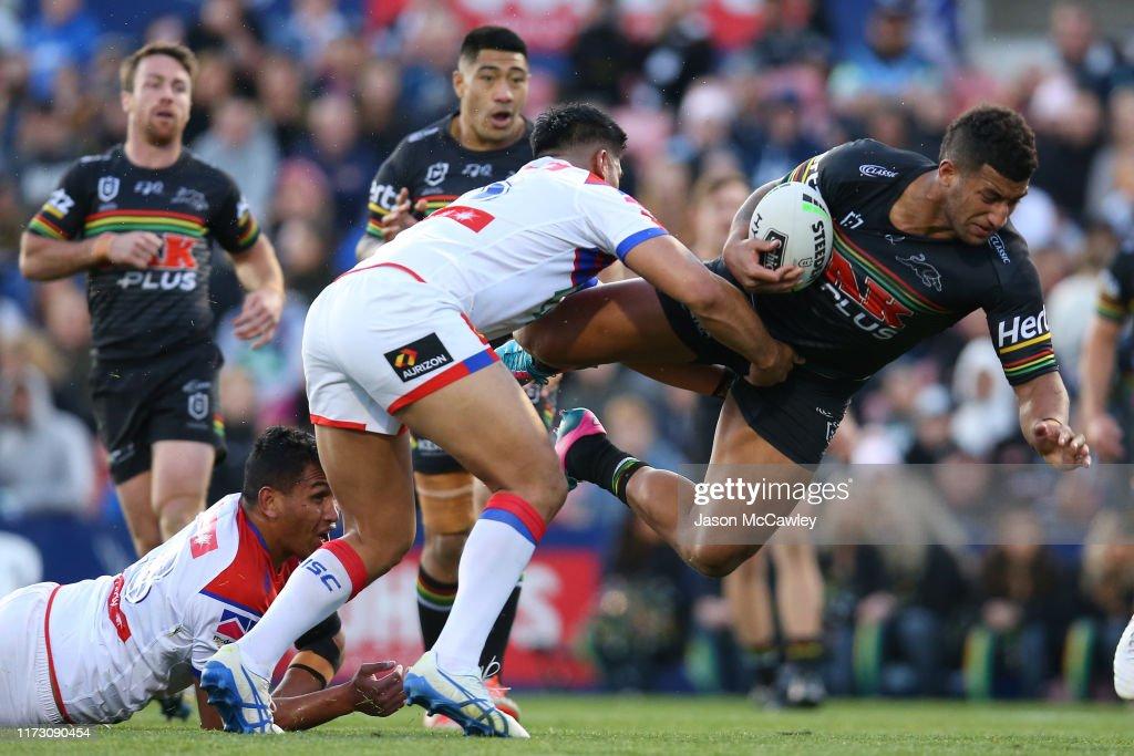 NRL Rd 25 - Panthers v Knights : News Photo