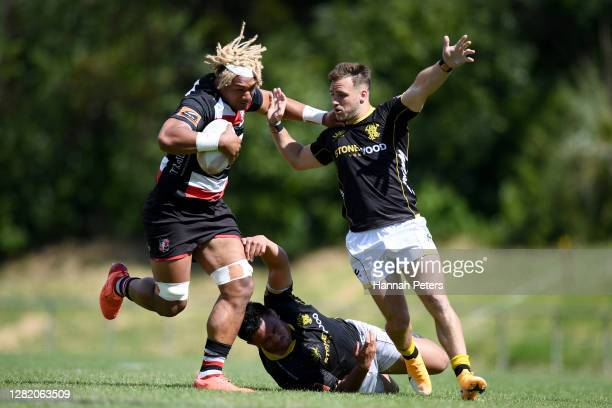 Viliame Taulani of Counties Manukau makes a break during the round 7 Mitre 10 Cup match between Counties Manukau and Wellington at Navigation Homes...
