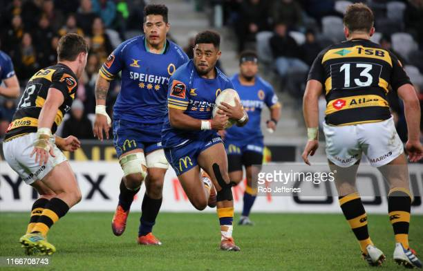 Vilimoni Koroi of Otago advances the ball during the round 5 Mitre 10 Cup match between Otago and Taranaki at Forsyth Barr Stadium on September 8...