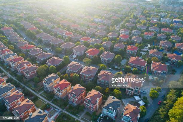 villa buildings at shanghai pudong,china - residential district stock pictures, royalty-free photos & images