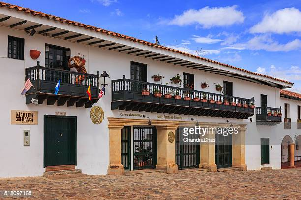 villa de leyva, colombia: bank. restaurant, main plaza; colonial architecture - cafe de colombia stock pictures, royalty-free photos & images