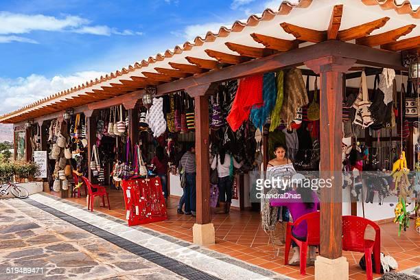villa de leyva, colombia-moniquirá tiendas de artesanías - villa de leyva fotografías e imágenes de stock