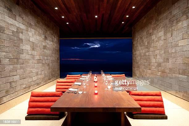 Salle à manger d'une villa de luxe