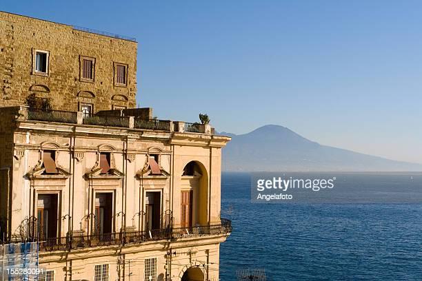 Villa Donn'Anna, a la bahía de Nápoles, Italia.