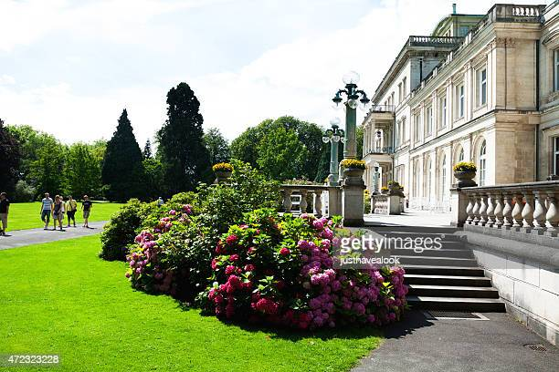 villa hügel and tourists in park - essen germany stock pictures, royalty-free photos & images
