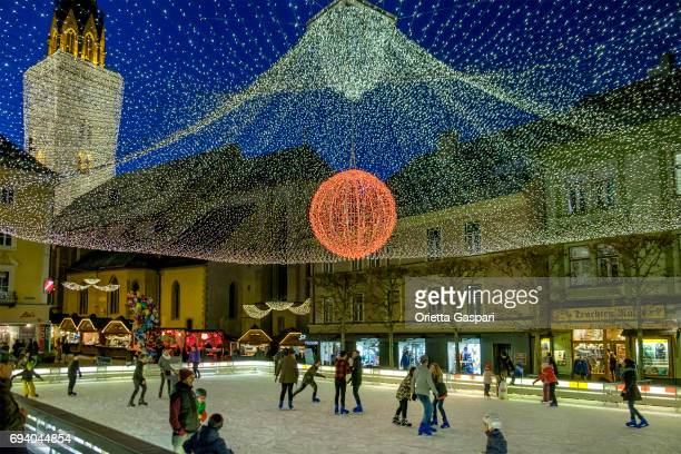 villach at christmas, ice skating rink - austria - carinthia stock pictures, royalty-free photos & images