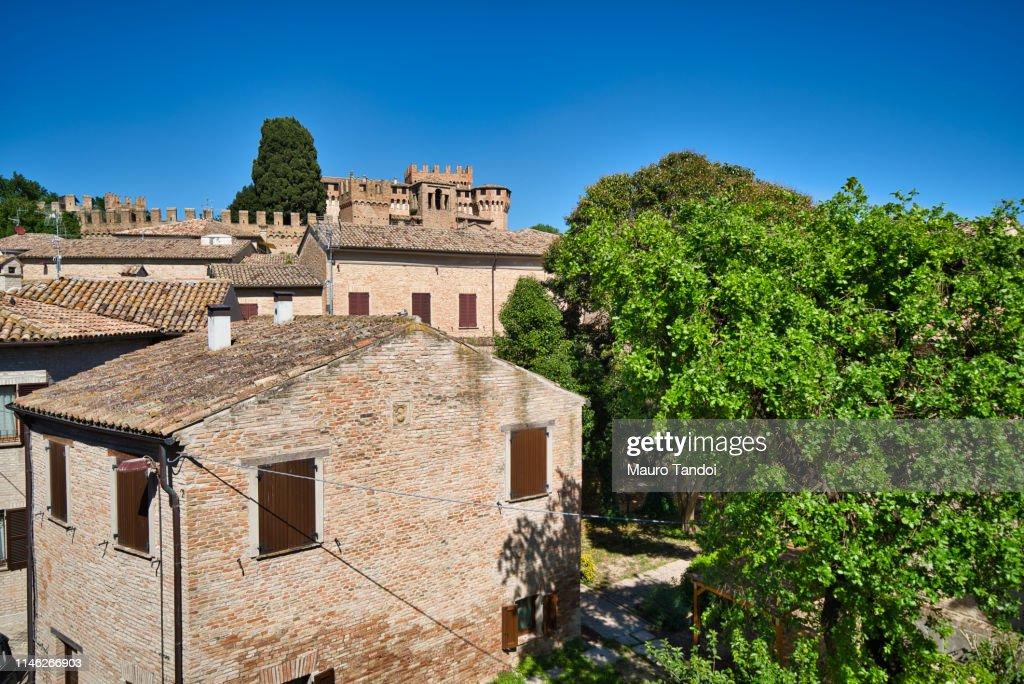 Village and Castle of Gradara, Marche : Foto stock