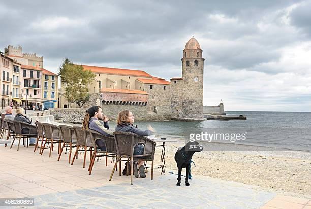 village et le port, collioure, méditerranéenne - collioure photos et images de collection