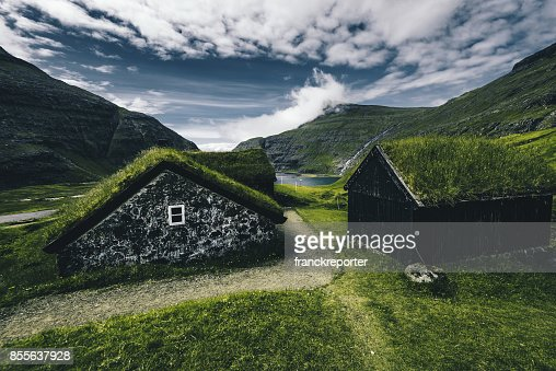 village at saksun with grass on the roof