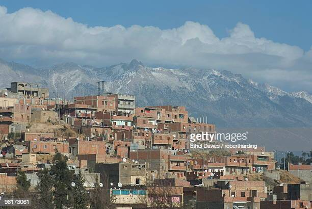 village at the base of the kabylie mountains, algeria, north africa, africa - kabylie photos et images de collection