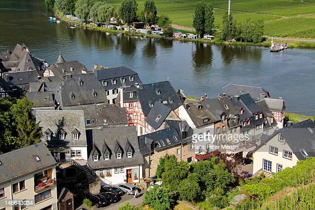 village beilstein, mosel river, germany - fluss mosel stock-fotos und bilder