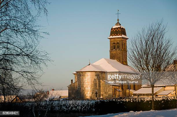 village church in france in winter - オートソーヌ ストックフォトと画像