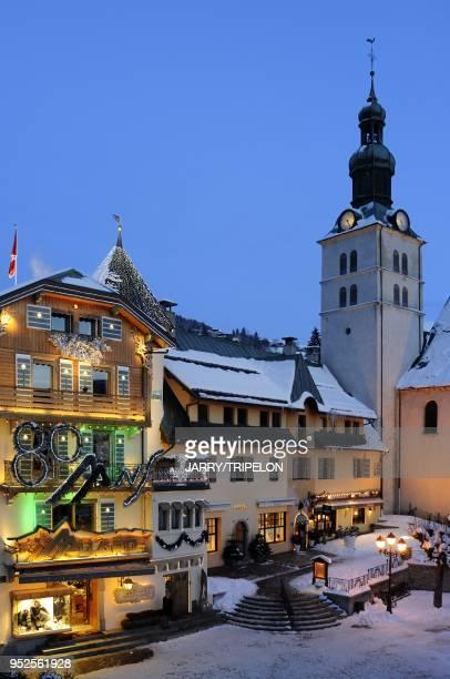 Village de Megeve, la nuit, Haute-Savoie, France.