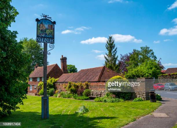 village green and sign in otford, kent - kent county stock pictures, royalty-free photos & images