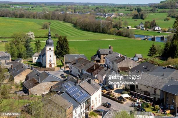 village of chassepierre in the belgian ardennes. - belgische cultuur stockfoto's en -beelden
